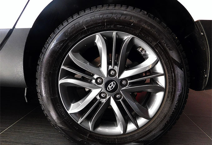 Hyundai iX35 2.0 CRDi 136cv 4WD Xpossible A/T completo