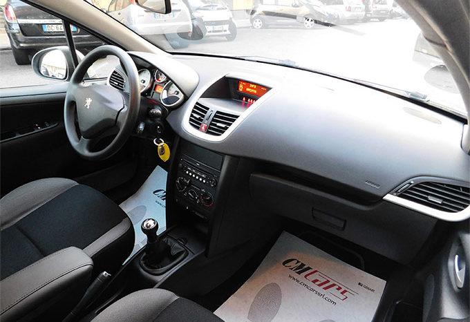 Peugeot 207 1.4 VTi 95CV 5p. Energie Sport completo