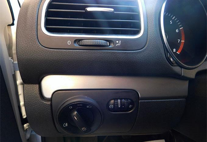 Volkswagen Golf 1.6 100cv 3p. Comfortline completo