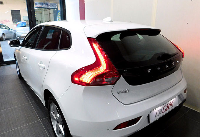 Volvo V40 D2 1.6 115cv Business completo