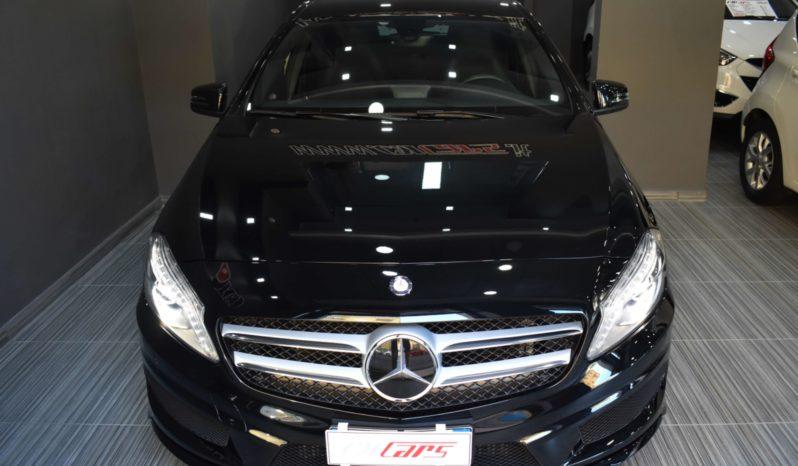 Mercedes-Benz A 180 CDI Premium AMG completo