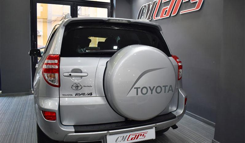 Toyota RAV 4 2.2 D-4D 150CV 4×4 DPF Exclusive completo
