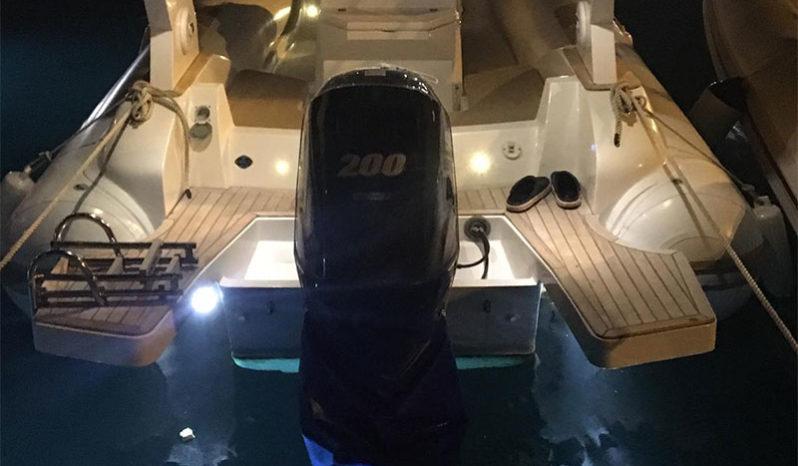Gommone Oromarine 780 S78 Elegance Suzuki DF200A completo
