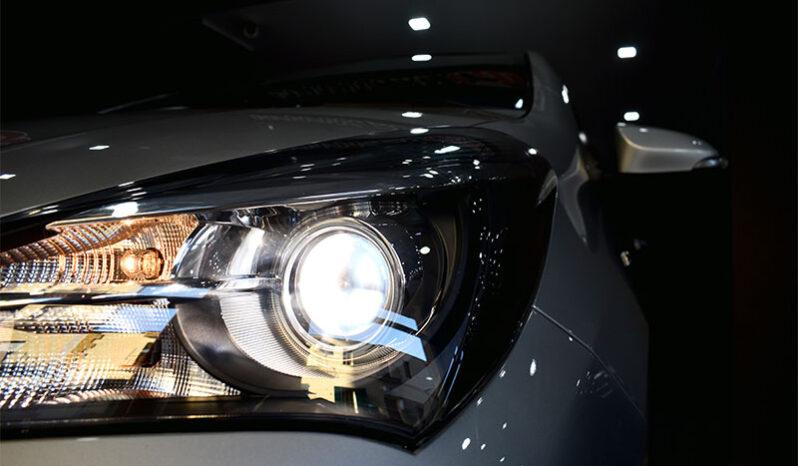 Toyota Yaris 1.5 Hybrid 5p Active completo